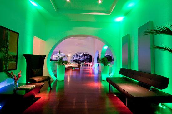 Shana By The Beach, Hotel Residence & Spa: Restaurant's entrance