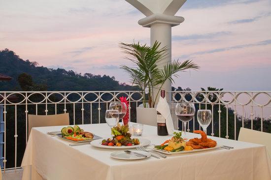 Shana Hotel & Spa: Restaurant's view