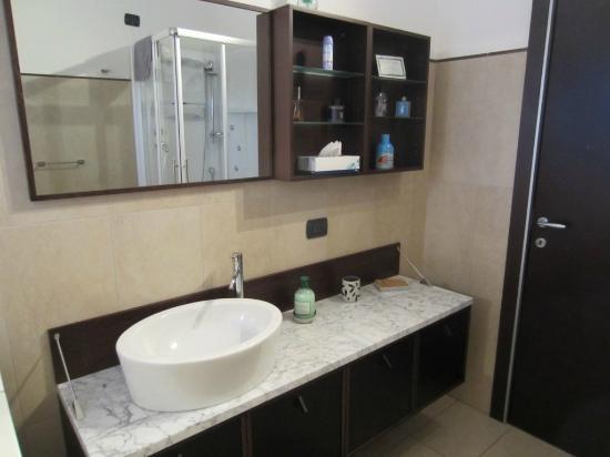 Il Terrazzo: Bathroom