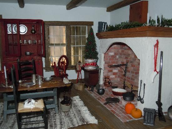 Brookfield Bed and Breakfast: The world of miniature done by George
