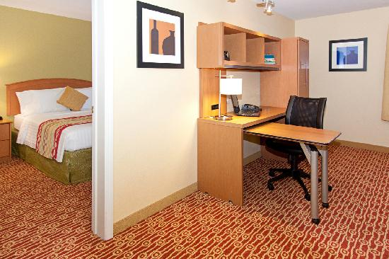 TownePlace Suites Ontario Airport: Newly Renovated Guest Rooms