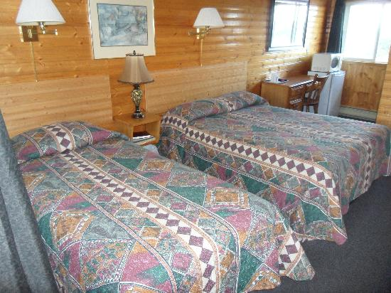 Hillcrest Motel: Double and Single room