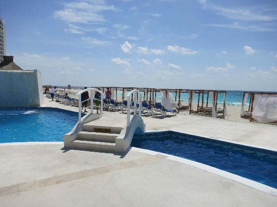 Krystal Cancun Pool Area And Private Beach Cabanas Which Were Free To Use