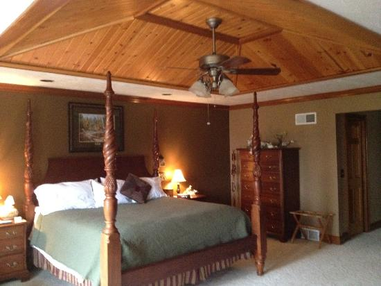 Quail's Covey Bed & Breakfast: The bedroom