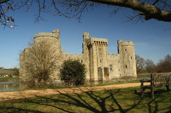 Bodiam, UK: castle front