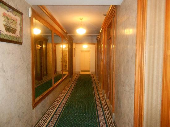 Gaslamp Plaza Suites: Hotel Hall