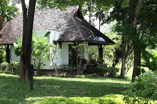 Pasak Hillside Resort: Lakeside Villa