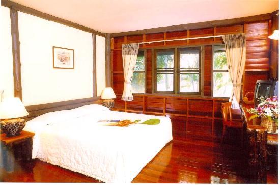 Pasak Hillside Resort: Lakeside Bungalow A