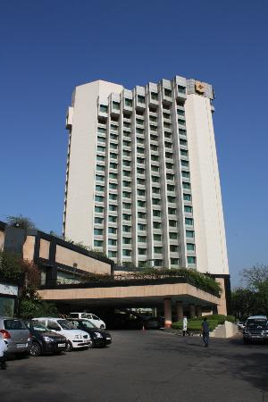 Shangri-La's Eros Hotel: Seen from the outside