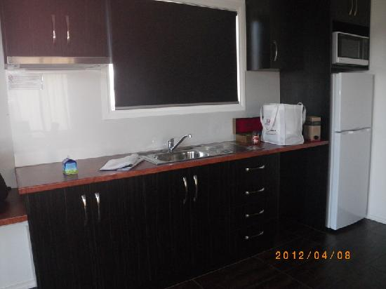 Port Augusta: Comfort Inn Augusta Westside:kitchen