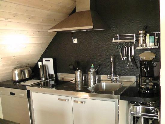 LILLEVANG APARTMENTs: Kitchenette
