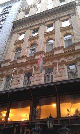 Promenade City Hotel: Front