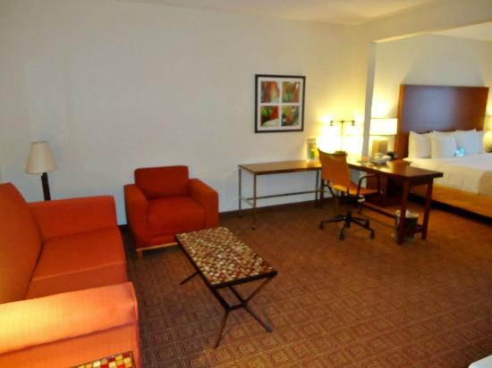 La Quinta Inn & Suites Bannockburn-Deerfield: Room
