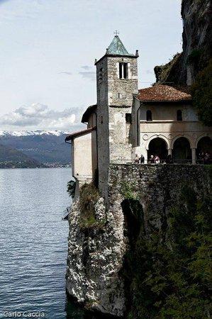 Leggiuno, Italia: A strapiombo sul Lago maggiore