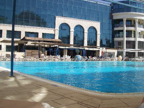 Central Park Eilat: Pool area