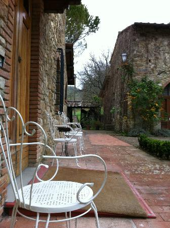 Agriturismo Casanova - La Ripintura: Main yard
