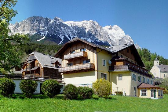 Wirthaus & Dorfhotel Mayer
