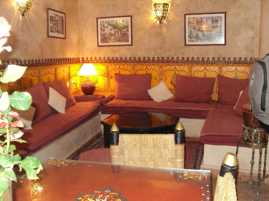 Riad Dar Nafoura : Reception and Lounge area
