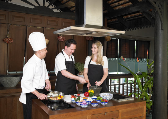 ‪Thai Cooking Class at Anantara Bangkok Riverside‬