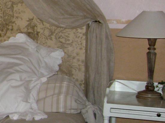La Banastière : particolare del letto chambre Flamant