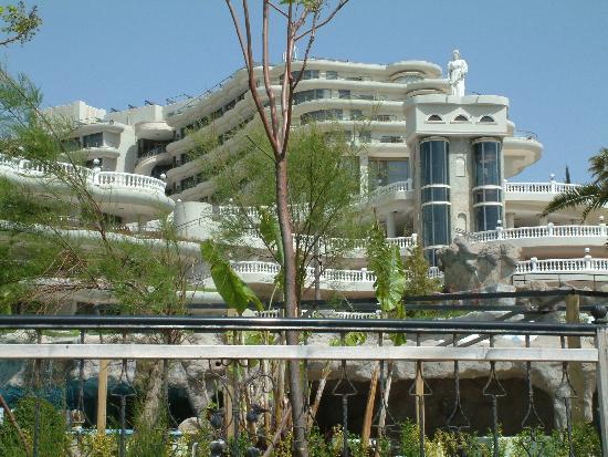 Crystal Sunrise Queen Luxury Resort & SPA: Hotel from Promenade