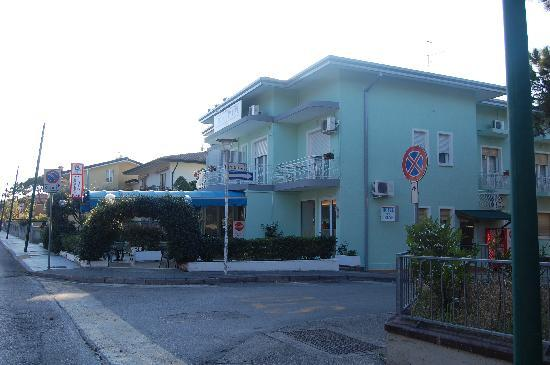Hotel Irene: Foto esterno - External view