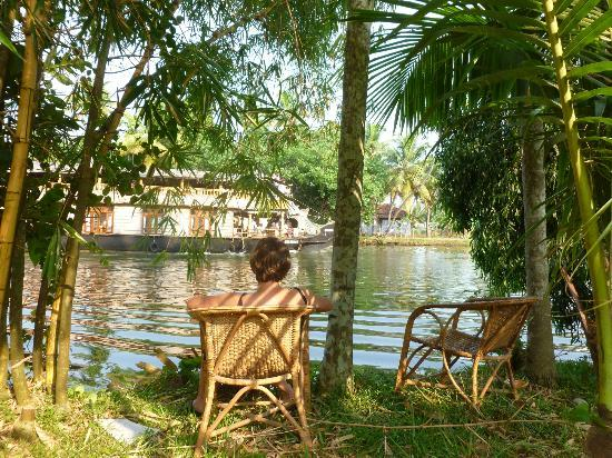 Palmgrove Lake Resort: Our favorite place at the channel