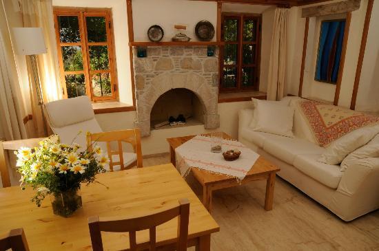 Eski Datca Evleri: Badem Evi Odaları