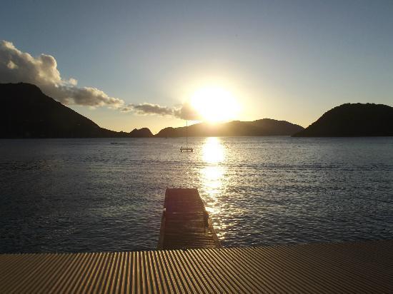 Hotel Kanaoa Les Saintes: La baie vue de la chambre...