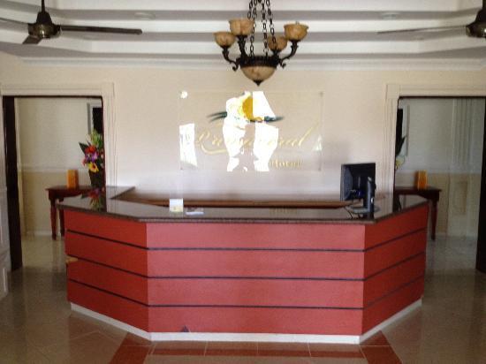 Hotel Primaveral: Front Desk