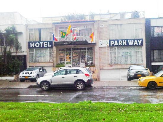 Hotel Parkway: Frente Hotel