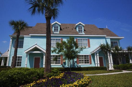 Runaway Beach Club Villas