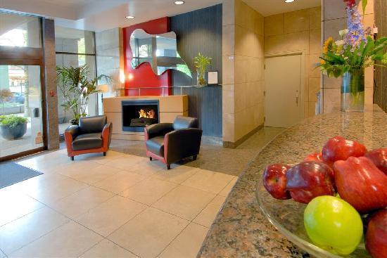ذا لانديس هوتل آند سويتس: Landis Hotel & Suites Lobby