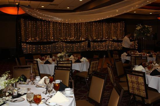 Ameristar Casino Hotel Council Bluffs: Lovely setting and you can see that help was always near