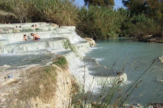 Saturnia, Italy: le terme