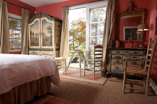 Hidden Valley Bed & Breakfast: Red Guest Suite