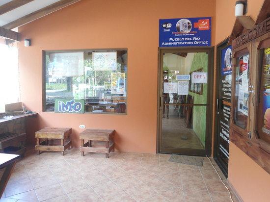 Hostel del Rio: Info Center!