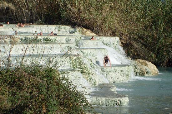 Saturnia, Italien: le terme
