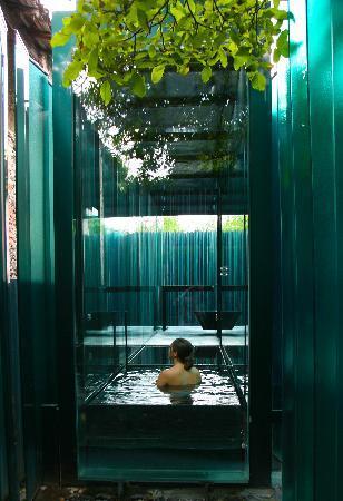 Les Cols Pavellons: Baño en el pabellón