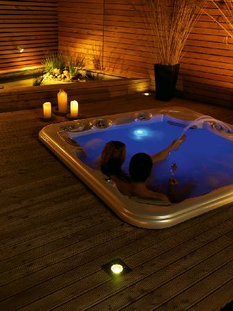 Soncna Hisa Boutique Hotel: Soncna hisa - Outdoor jacuzzy