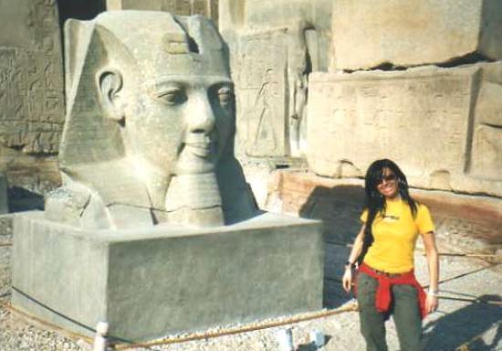 Temple of Amun : Tempio di Amon: testa Ramses II