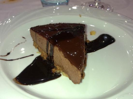 Alfonso Valderas: Tarta de mousse de chocolate con crujiente