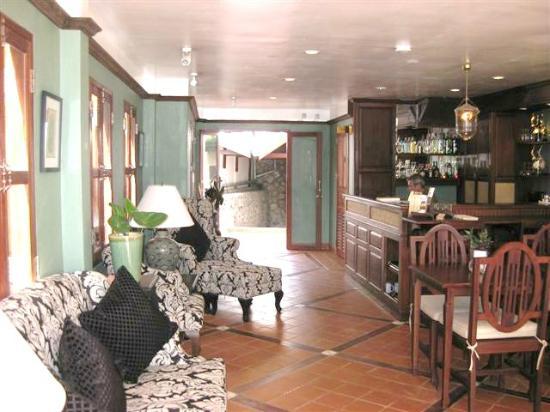 Hotel Villa Deux Rivieres: Lobby