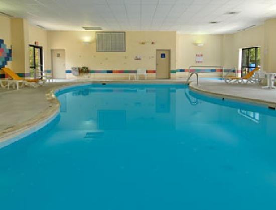 Days Inn & Suites Northwest Indianapolis: Cool off and relax in the pool open daily (Same hours as the fitness center)