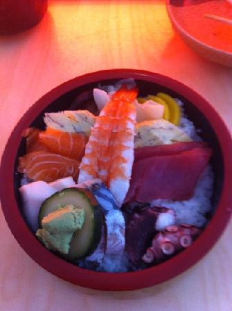 Sasaya: Chirashi Sushi - for ca. 10€! Amazing!
