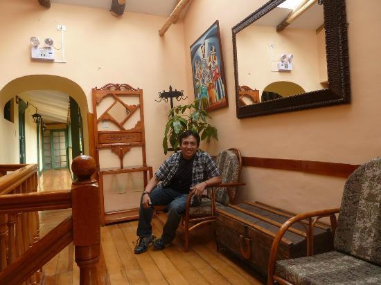Amaru Hostal: Los pasillo comodos y se respira mucha tranquilidad