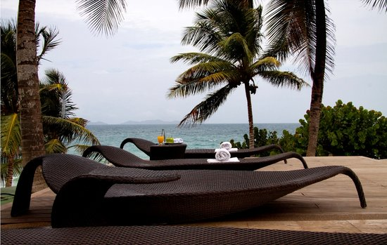 IKIN Margarita Hotel & Spa: The Infinity Pool and Terrace