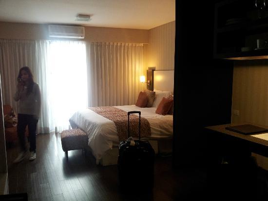 Fertilia Downtown Apartamentos: Nuestra habitación