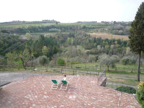 Podere la Pergola: view from the breakfast terrace in the valley