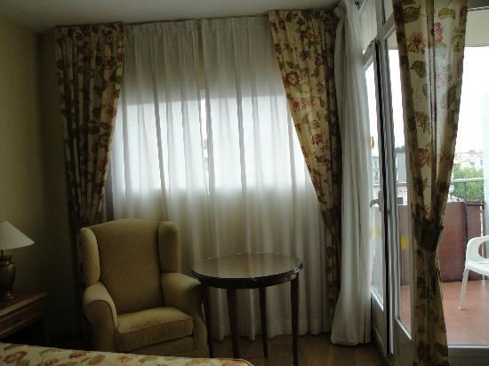 Monica Hotel: Habitación